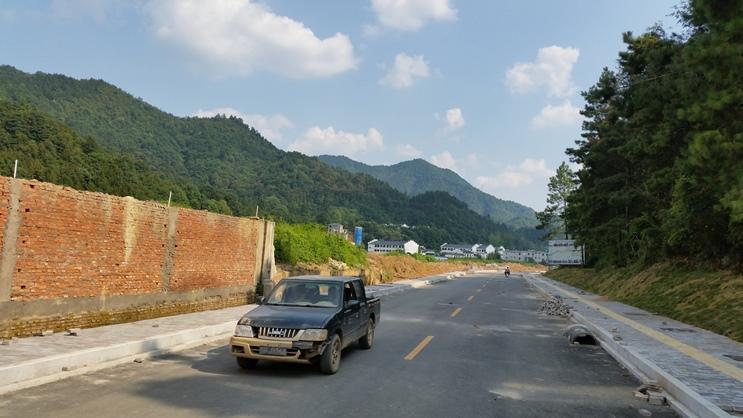 Road to San Bao - Jingdezhen - Deanna Roberts