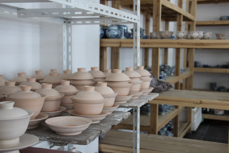 LinLin's Find China Gallery - work awaiting decoration