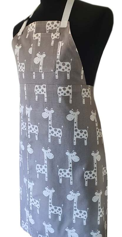 Happy Giraffe Split-leg apron (75 x 90) - Deanna Roberts Studio